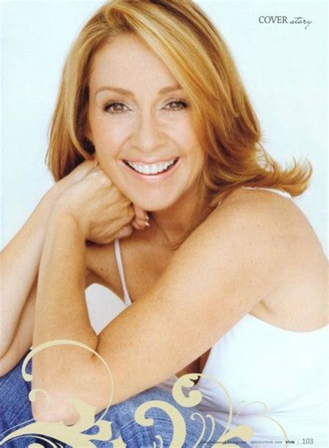 everyone love raymond debra hairstyles patricia heaton quot frankie heck quot quot debra barone quot the middle