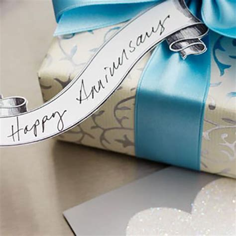Anniversary Gifts by Year   Hallmark Ideas & Inspiration