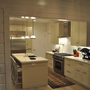 off white shaker style cabinets off white shaker kitchen cabinets design ideas