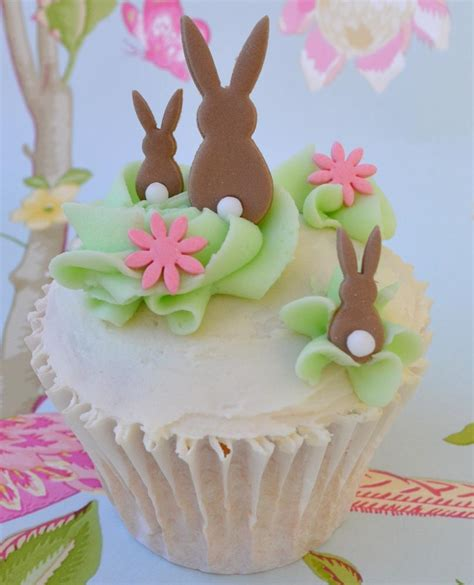 easter cupcakes little paper cakes