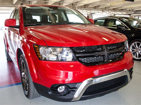 2014 dodge journey review 2014 dodge journey crossroad technology and value motor