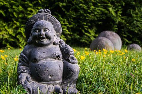 buddha unfokussiert buddha feng shui garden zen