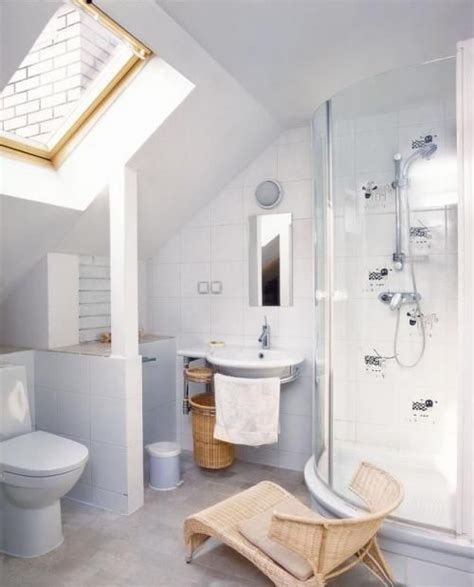 attic bathroom sloped ceiling attic bathrooms with sloped ceilings 2017 2018 best
