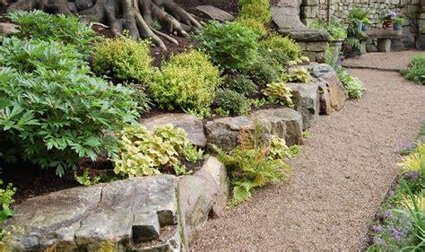 fiori per giardino roccioso giardini rocciosi fai da te crea giardino