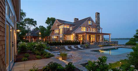 beach house backyard southern home with neutral interiors home bunch interior design ideas