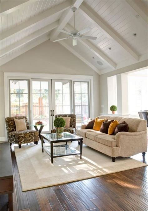 24 Living Rooms With Vaulted Ceilings Page 2 Of 5 Living Room Vaulted Ceiling