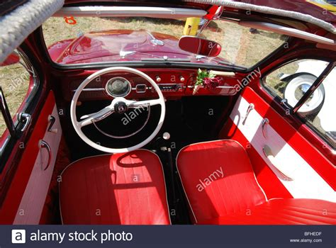 volkswagen interior vw beetle interior imgkid com the image
