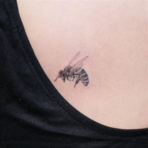 honeybee tattoo 40 buzzin bee designs and ideas tattooblend
