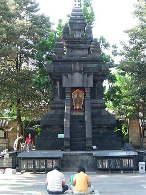 Patung Tuhan Yesus Hati Kudus 1 Meter candi hati kudus ganjuran