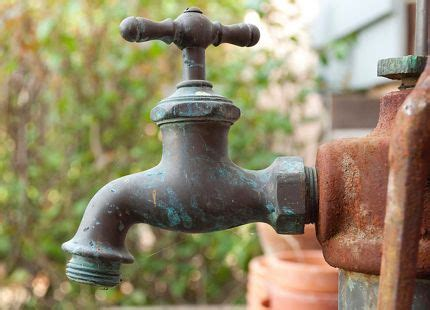 Exterior Water Faucet by Best 25 Faucet Repair Ideas On Leaky Faucet