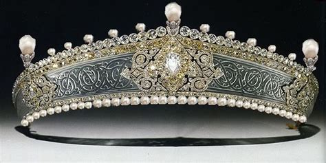 rok tiara 250 best of everything images on crowns