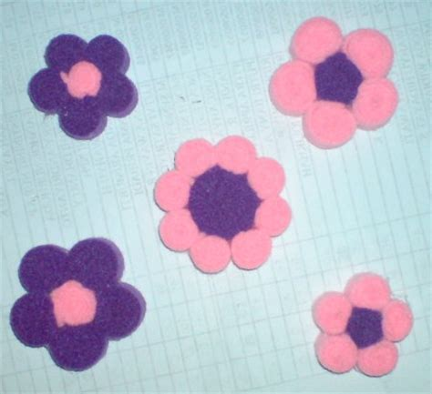Boneka Wisuda Lebah membuat bros dari kain flanel bros sherli 2 bros cantik