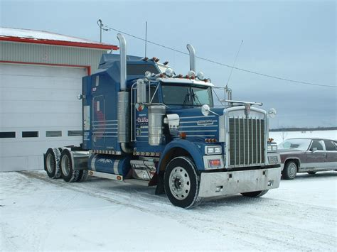 trucking companies with kenworth w900 american kenworth truck a little bit ovesized