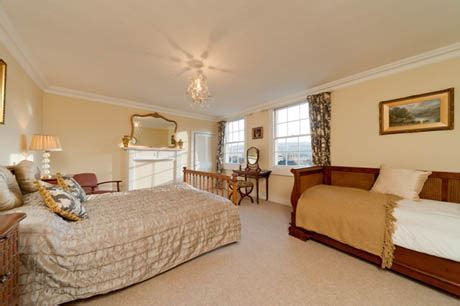 how to decorate a single room self contain self catering in bath self catering apartments in bath