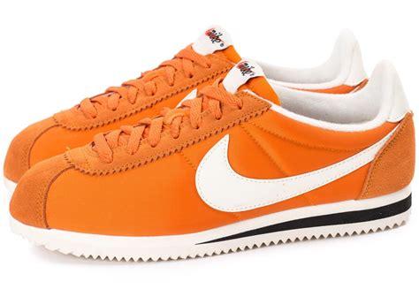 Sepatu Nike Cortez 09 Kanvas Orange nike cortez orange yellow