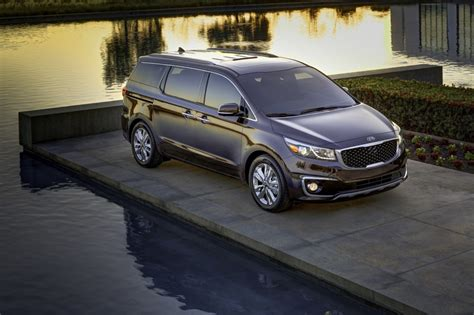 Kia Sedona Pictures 2015 Kia Sedona Pictures Photos Gallery The Car Connection