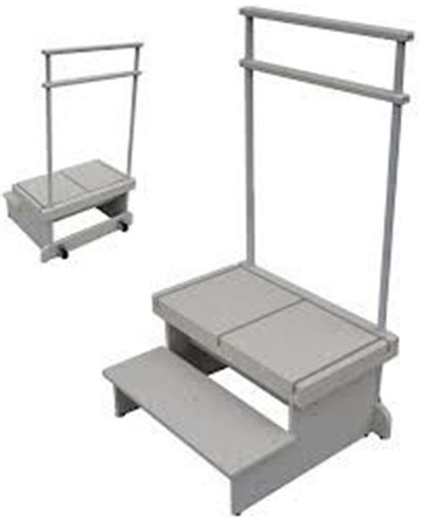 wide folding step stool with handle