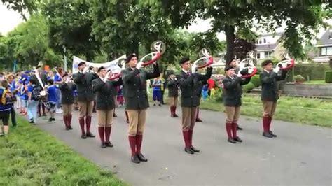 loosdrecht avondvierdaagse trompetterkorps alkmaar tijdens de avond4daagse te