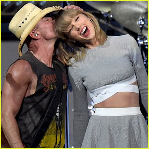 taylor swift duet with country singer kenny chesney photos news and videos just jared