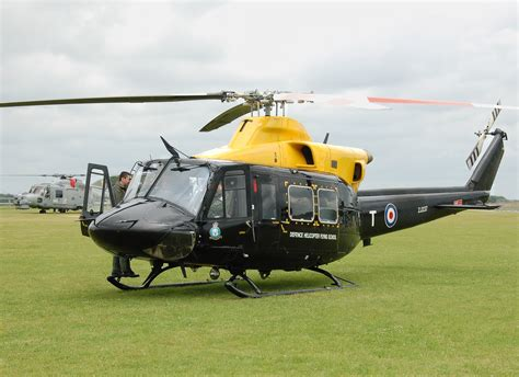 Heli Bell 412 Ep defence helicopter flying school wiki