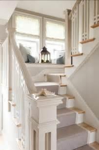 Ordinaire Tapis D Escalier Moderne #1: 1-moquette-escalier-leroy-merlin-tapis-pour-escalier-de-couleur-gris-escalier-en-bois-blanc.jpg