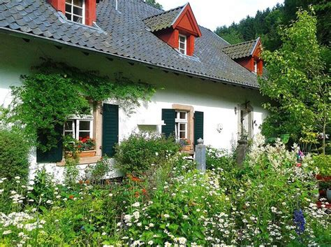 haus und garten vorgarten gestalten moderne ideen f 252 r reihenhaus co