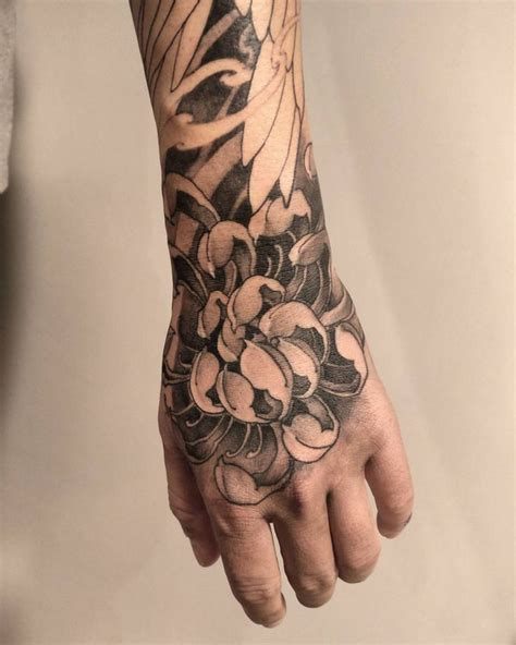 chrysanthemum tattoos 276 best images on japan