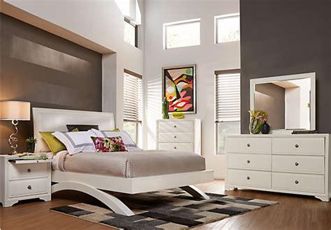 Bedroom Furniture On Credit Belcourt White 5 Pc King Platform Bedroom Bedroom Sets White