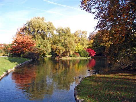 Parken Am Englischer Garten München by Englischergarten