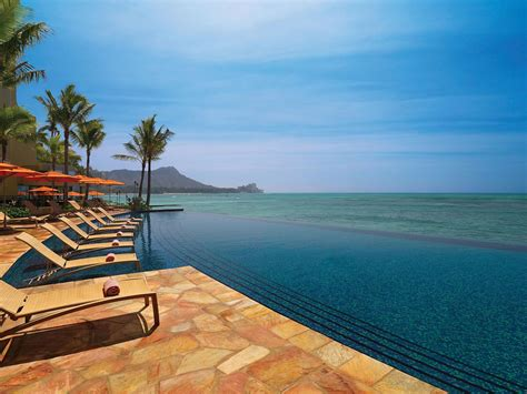 sheraton waikiki infinity pool 69 exquisite infinity pools that will your mind