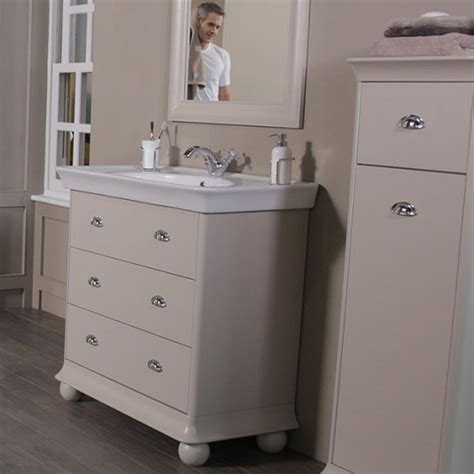 Valencia Bathroom Furniture Valencia 900mm 3 Drawer Vanity Unit