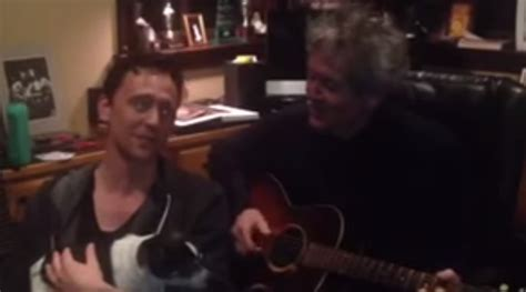 tom hiddleston puppy tom hiddleston and sing songs together