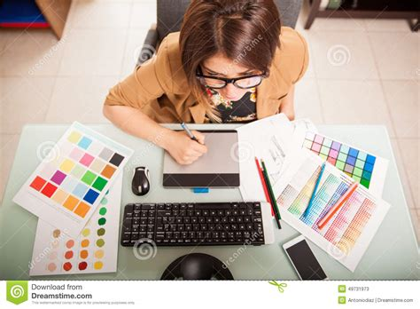 imagenes de un web designer graphic designer in her office stock image image 49731973