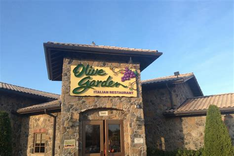 is olive garden a franchise how much is an olive garden franchise garden ftempo