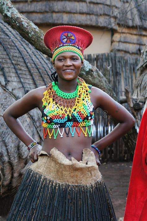 Handmade In Africa - zulu wearing handmade clothing at lesedi cultural