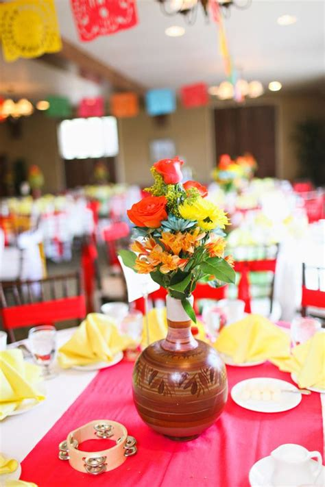 mexican themed wedding decorations best 25 mexican centerpiece ideas on