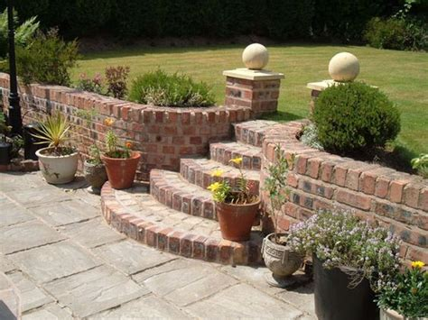 Curved Garden Wall Retaining Wall With Curved Steps St Helens Brickwork