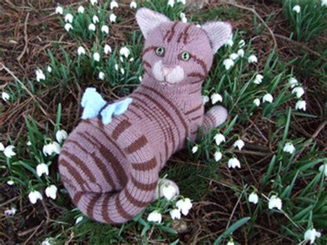 alan dart black and white cat knitting pattern ravelry knitted kitties tabby cat pattern by alan dart