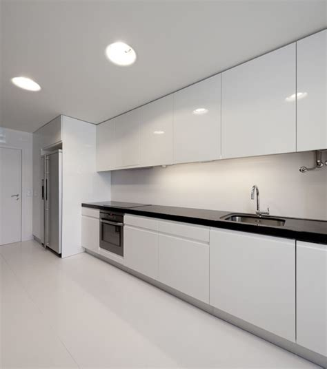 cool white modern apartment kitchen design decobizz com