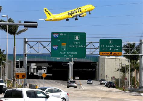 Fll Parking Garage by No More Discount Parking At Fort Lauderdale Airport Sun