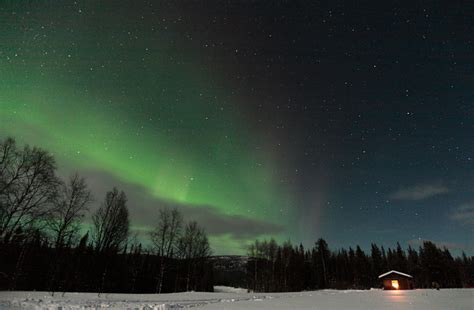 how far north to see northern lights when to see the northern lights