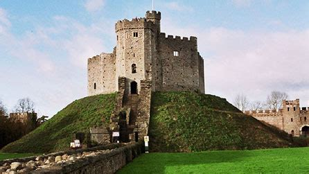 motte and bailey castles history