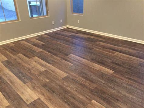 kitchen  living room floor inspiration coretec   alabaster oak coretec lvp