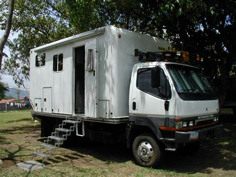 mitsubishi fuso 4x4 expedition vehicle expedition vehicle