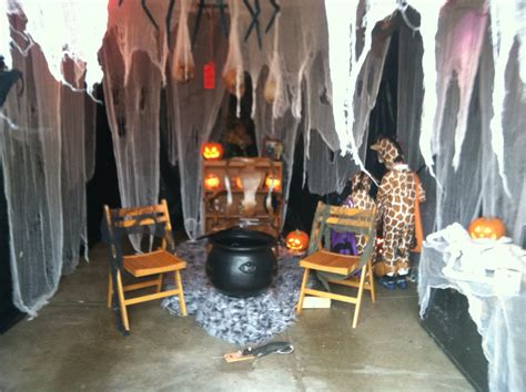 47 awesome halloween home decor ideas bellezaroom com how to sell a haunted house real estate tips hgtv your or