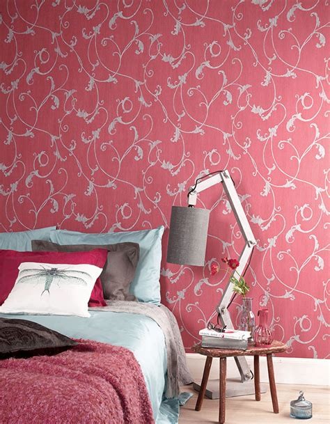 hang paste  wall wallpaper