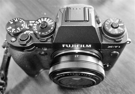 Fujifilm Lens Xf 27mm F2 8 C Black fuji x t1 is it a better than the x100t