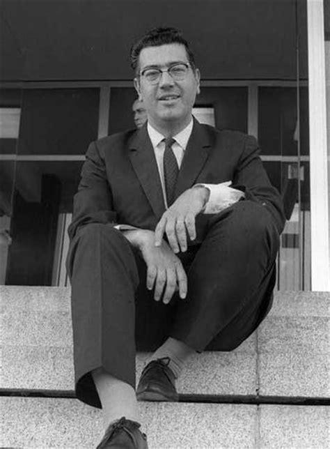 José Luis Pecker, otra voz de la radio que se apaga