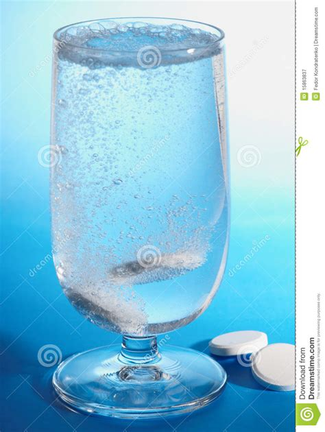 Rehab Detox Methods From Heroin White Pill Dissolves by Pills Dissolving In Water Stock Image Image Of