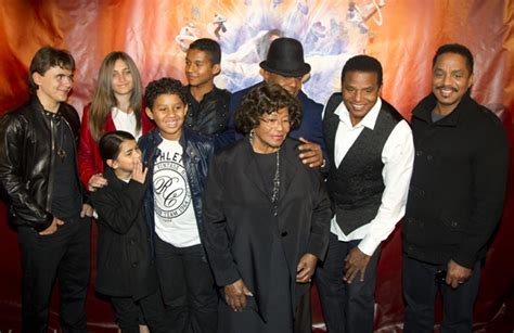 biography of michael jackson family the biography and human nature of michael jackson